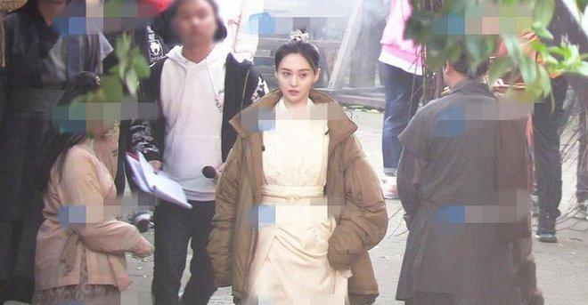 Ngoài Trịnh Sảng vẫn còn mỹ nữ ăn chặn cát-xê cực khủng, netizen đoán ra nhờ một chứng cứ quan trọng? - ảnh 1
