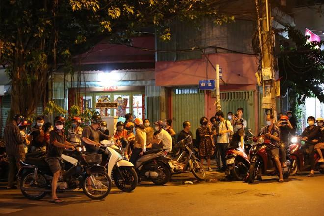 Vụ hỏa hoạn thương tâm khiến 8 người chết ở Sài Gòn: Nạn nhân sống sót bị phỏng độ 2 - ảnh 5