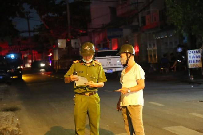 Vụ hỏa hoạn thương tâm khiến 8 người chết ở Sài Gòn: Nạn nhân sống sót bị phỏng độ 2 - ảnh 2