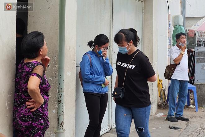 Người thân ngã quỵ, chờ đợi đón nhận 8 thi thể trong vụ cháy ở Sài Gòn: Thằng Đ. nó hẹn lên chơi ít bữa rồi về, vậy mà có về được nữa đâu - ảnh 8