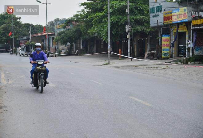 Hà Nội: Cận cảnh khu vực phong toả 6.000 dân ở Thường Tín, nhiều người đi làm ngỡ ngàng phải quay xe - ảnh 2