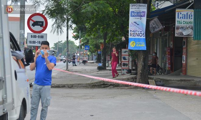 Hà Nội: Cận cảnh khu vực phong toả 6.000 dân ở Thường Tín, nhiều người đi làm ngỡ ngàng phải quay xe - ảnh 10