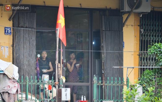 Hà Nội: Cận cảnh khu vực phong toả 6.000 dân ở Thường Tín, nhiều người đi làm ngỡ ngàng phải quay xe - ảnh 21