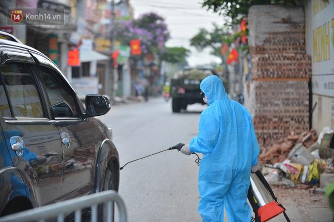 Hà Nội: Cận cảnh khu vực phong toả 6.000 dân ở Thường Tín, nhiều người đi làm ngỡ ngàng phải quay xe - ảnh 6