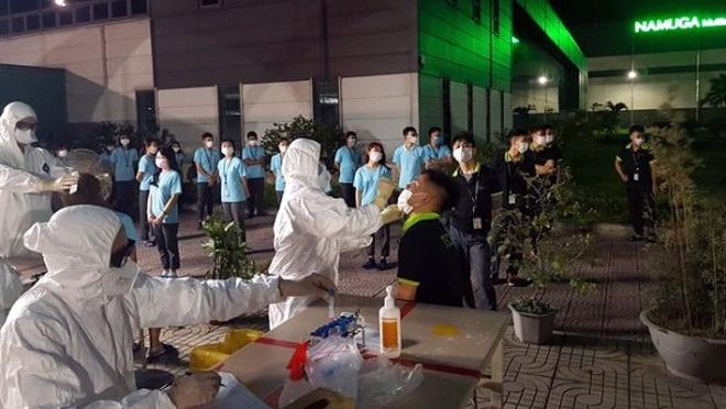 Phú Thọ xét nghiệm Covid-19 cho hơn 2.000 công nhân khu công nghiệp - ảnh 1