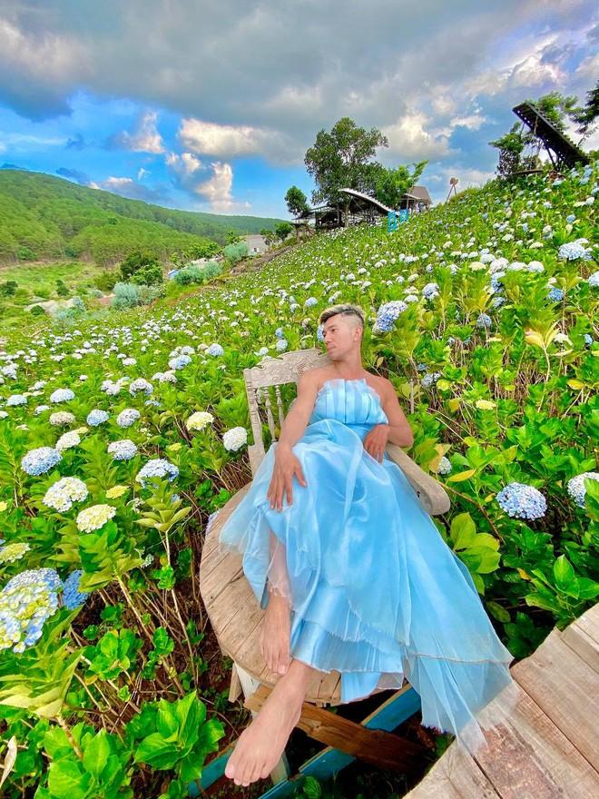 Lương Bằng Quang bị la ó vì diện váy bèo nhún làm lố phản cảm giữa địa điểm du lịch, netizen khóc ròng: Làm ơn tha cho Đà Lạt đi! - ảnh 6
