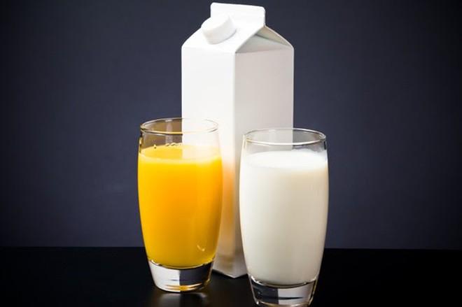 Sữa rất bổ nhưng khi kết hợp cùng 3 loại thực phẩm lại dễ gây hại cơ thể, đừng dại mà ăn chung bạn nhé! - ảnh 2