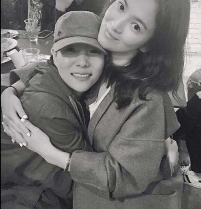 Song Hye Kyo được tặng xe cà phê ủng hộ phim mới, người gửi có liên quan đến chồng cũ Song Joong Ki? - ảnh 1