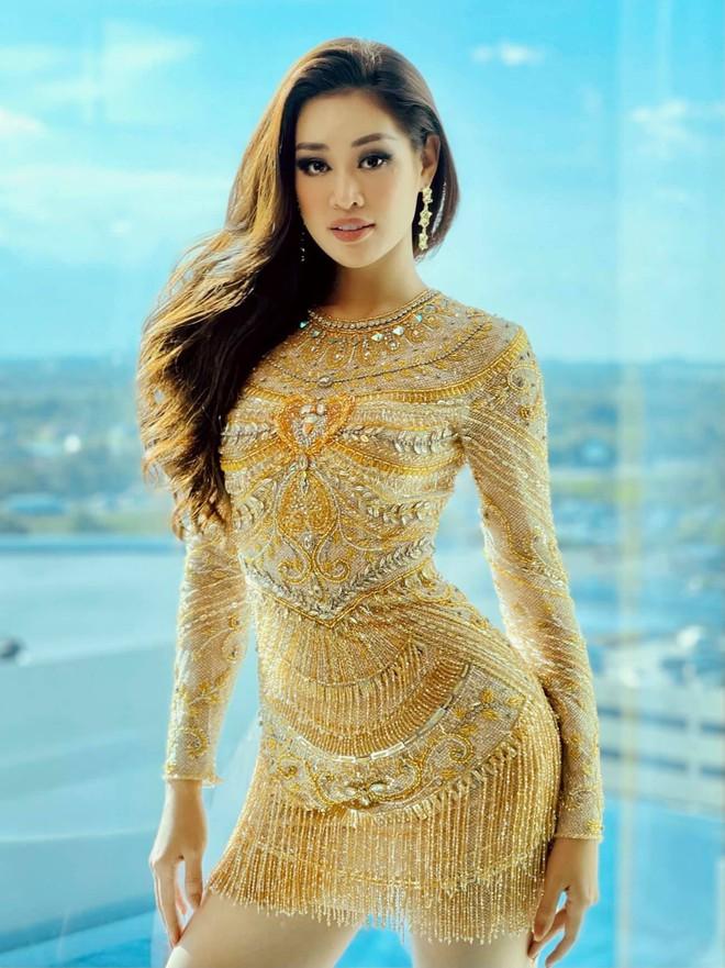 Khánh Vân lên đồ chặt chém tại Miss Universe 2020, khoe đường cong bốc lửa đến mức HHHV Canada phải trầm trồ - ảnh 4