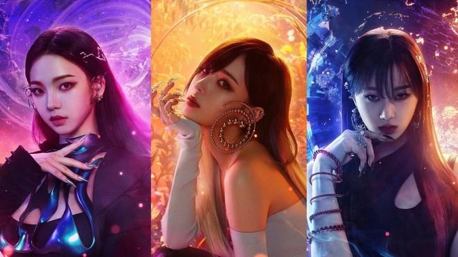 Ảnh teaser của aespa bị so sánh với 2NE1, Knet không ném đá mà bênh: Giống nhau về giới tính và số thành viên chứ gì! - ảnh 1