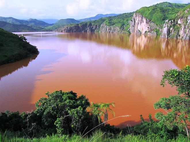 Chiếc hồ thảm sát: Chỉ sau 1 đêm mà cả nghìn người lẫn động vật xung quanh cái hồ này chết hàng loạt, chuyện gì đã xảy ra? - ảnh 3