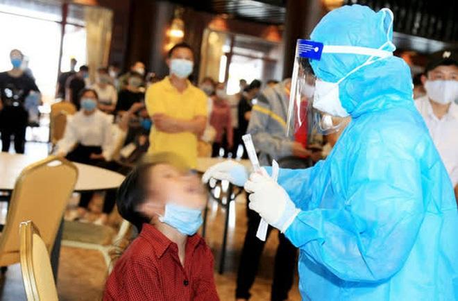 Dịch Covid-19 ngày 9/5: 24 tỉnh thành có ca mắc liên quan 5 ổ dịch, nhiều học sinh dương tính với SARS-CoV-2 - Ảnh 1.