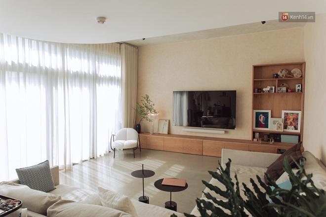Cận cảnh penthouse 8 tỷ của Vũ Dino: Góc nào cũng chill, sofa hơn 100 triệu khiến khách chỉ muốn... làm biếng - ảnh 2