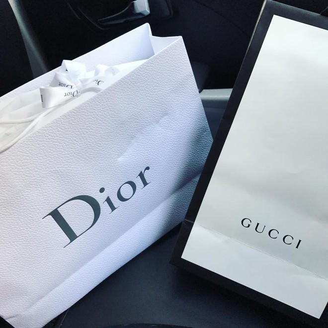 Choáng với BST hàng hiệu siêu khủng của rich kid 2k lái Ferrari đi học: Hermes, Dior, Chanel... đủ cả! - ảnh 11