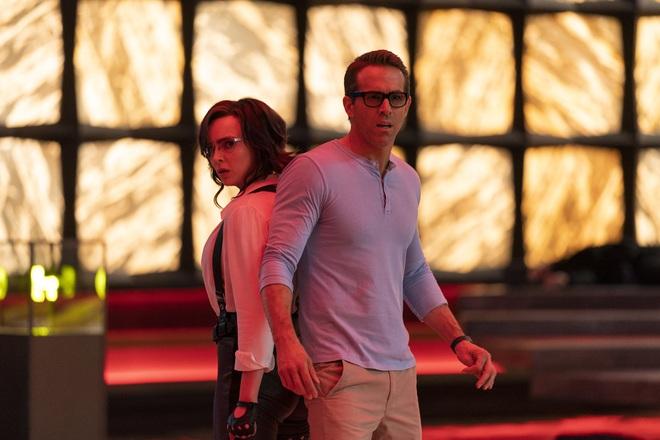 Deadpool Ryan Reynolds cặp kè mỹ nữ Anh Quốc, sống đi chết lại trong siêu bom tấn chuyển kiếp ly kỳ - ảnh 3