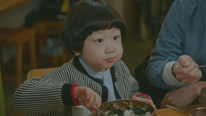 4 nhóc tì siêu cưng ở phim Hàn: Tiểu Lee Min Ho diễn cực đỉnh, 3 bé còn lại ai cũng muốn bắt về nuôi - Ảnh 9.