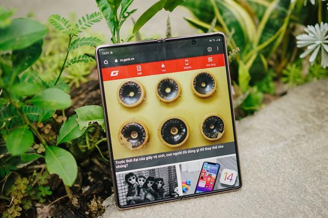 Dù giá thành cao, khách hàng trẻ vẫn muốn sở hữu Galaxy Z Fold 2 - ảnh 4