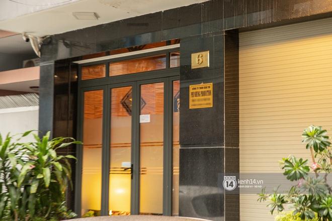 Về nhà Phi Nhung giữa loạt drama: 4 tầng lầu và chiếc Mẹc to đùng đậu ngay cửa, hàng xóm xôn xao ủa Hồ Văn Cường có bị nhốt đâu ta? - Ảnh 6.