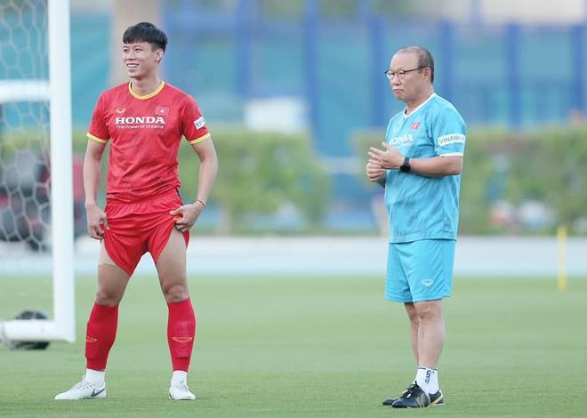Đội trưởng dàn nam thần ĐT Việt Nam đăng ảnh trước giờ đấu Malaysia, fan bật mode hóng hết cỡ - ảnh 2