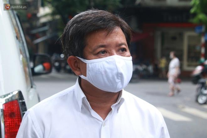 Ông Đoàn Ngọc Hải bất ngờ bán dứa, dưa lê giữa phố Hà Nội và câu chuyện cảm động phía sau - ảnh 14