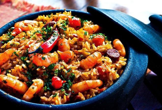 8 loại thực phẩm không nên hâm nóng bằng lò vi sóng vì gây hại cho sức khỏe và làm tăng nguy cơ ung thư - ảnh 8