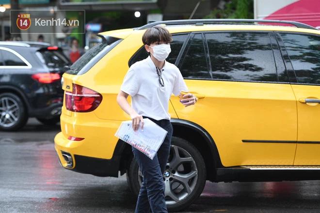 Rich kid Hà Nội được hộ tống trên xe bạc tỷ đi thi vào lớp 10 - ảnh 3
