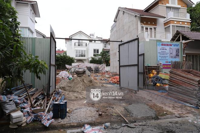 Trực tiếp thăm biệt thự của Thuỷ Tiên giữa ồn ào: Đã đập đi hoàn toàn để xây mới, công trình che kín, thông tin chủ đầu tư gây chú ý - ảnh 5