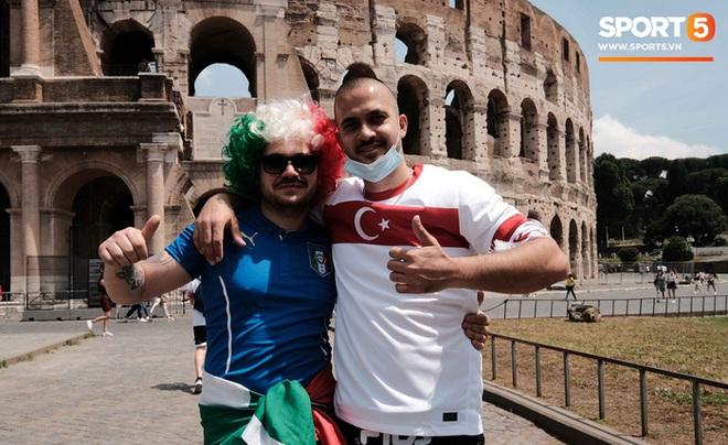Độc từ nước Ý: Cận cảnh giấy xét nghiệm Covid-19 của fan đến xem khai mạc Euro 2020 - ảnh 1