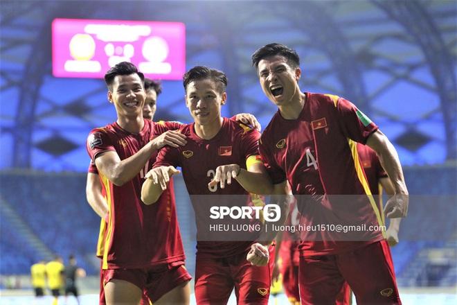 Quế Ngọc Hải: Cầu thủ Malaysia gây áp lực khi tôi đá penalty nhưng tôi bỏ ngoài tai - ảnh 1