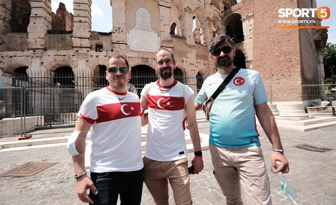 Độc từ nước Ý: Cận cảnh giấy xét nghiệm Covid-19 của fan đến xem khai mạc Euro 2020 - ảnh 5