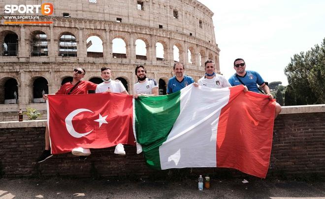 Độc từ nước Ý: Cận cảnh giấy xét nghiệm Covid-19 của fan đến xem khai mạc Euro 2020 - ảnh 6