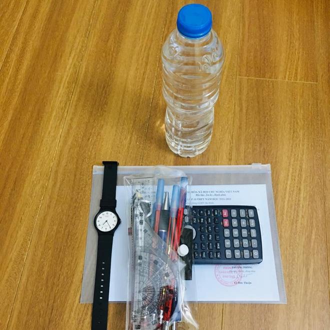 Bị cấm mang hộp bút vào phòng thi, nam sinh có pha xử lý nhanh trí khiến cả cha mẹ lẫn giáo viên cười ngặt nghẽo - ảnh 3