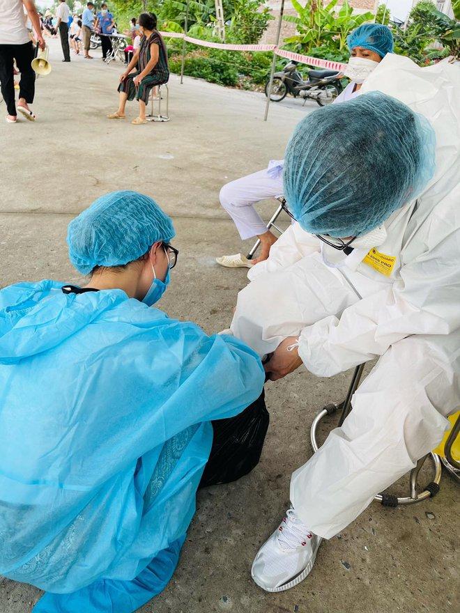 Những khoảnh khắc siêu cấp dễ thương của sinh viên trường Y tham gia chống dịch tại Bắc Ninh - ảnh 5