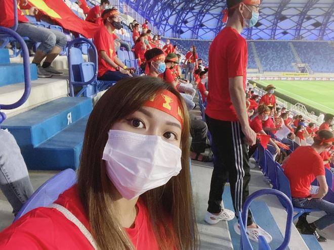 Gái xinh 2k1 kể chuyện đi xem ĐT Việt Nam thi đấu trực tiếp tại UAE: Thủ tục rất lằng nhằng nhưng cực xứng đáng! - Ảnh 5.