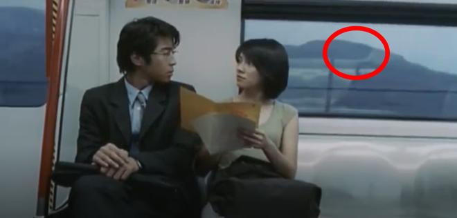 Bóng trắng ghê rợn xuất hiện ngay trên phim của Ảnh hậu Kim Mã, chấn động 19 năm rồi vẫn chưa có lời giải thích! - ảnh 8