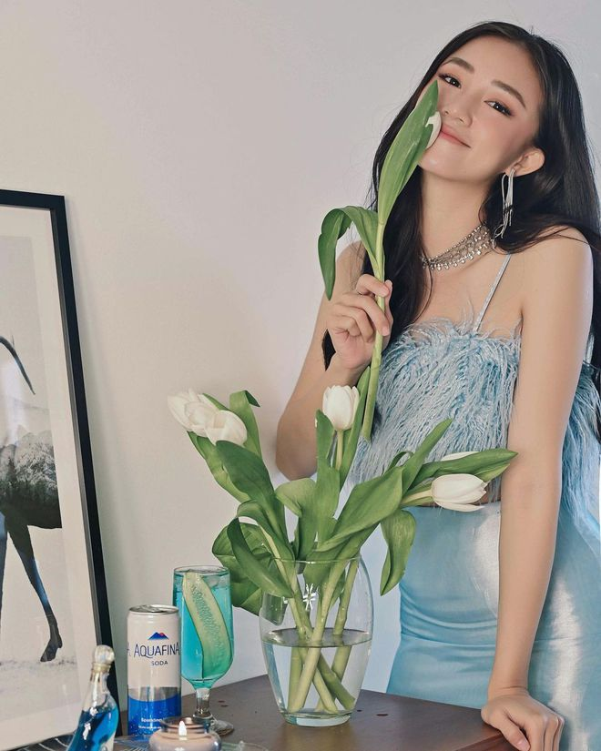 Instagram look sao Việt tuần qua: Crop-top chiếm sóng, riêng 1 mỹ nhân lạc quẻ vì diện nguyên set đồ len phát ngốt - ảnh 6