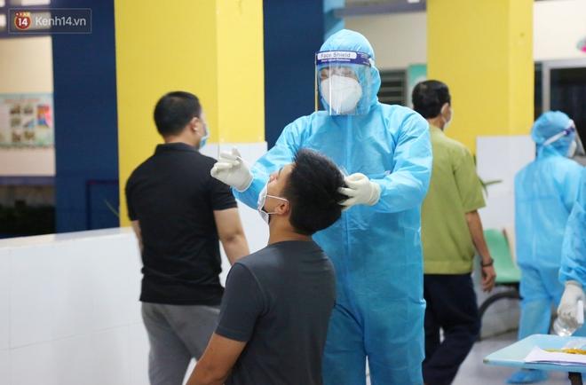 870 ca nhiễm trong vòng 28 ngày, TP.HCM sẽ kiểm soát dịch Covid-19 thế nào trong 2 tuần giãn cách xã hội tiếp theo? - ảnh 3