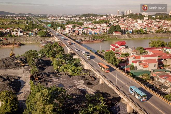 Ảnh: Đưa gần 300 công nhân từ tâm dịch Bắc Giang về Hà Nội trong quy trình nghiêm ngặt - ảnh 10