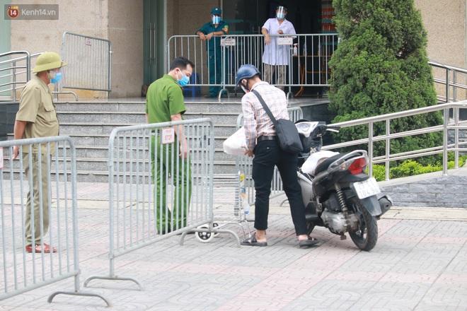 Hà Nội: Phong tỏa 1 tòa chung cư sau khi ghi nhận ca dương tính SARS-CoV-2 - ảnh 7