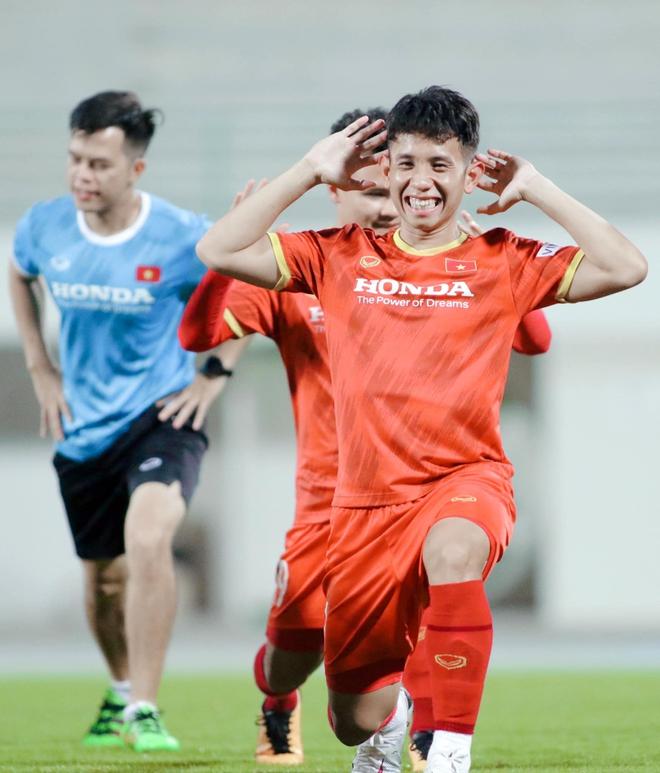 Dàn nam thần ĐT Việt Nam: Giỏi đá bóng, có khiếu kinh doanh, biết nấu ăn và quan trọng là độc thân! - Ảnh 14.