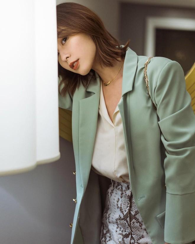 5 sắc màu trẻ trung để nàng công sở U30 tha hồ thay đổi, chẳng thấy dừ tí nào mà chỉ thấy xinh tươi hơn - ảnh 4