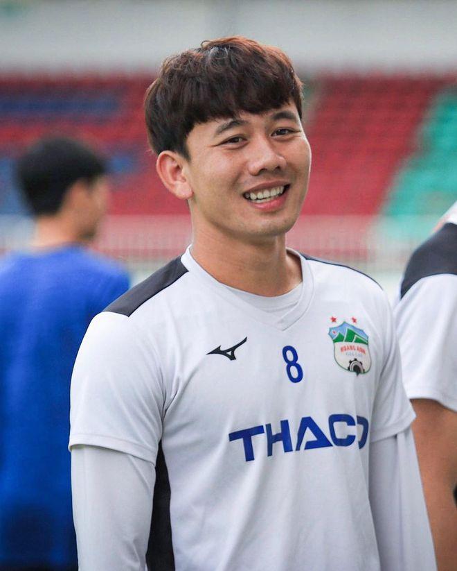 Chia tay vẫn làm bạn tốt, bồ cũ Minh Vương còn chúc một câu tiên tri trước thềm trận Việt Nam - UAE - Ảnh 1.