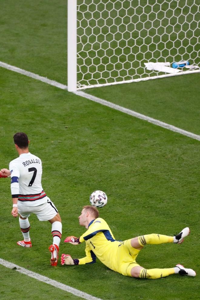 Ronaldo phá liên tiếp 3 kỷ lục vĩ đại nhất lịch sử Euro chỉ sau 1 trận đấu - ảnh 2