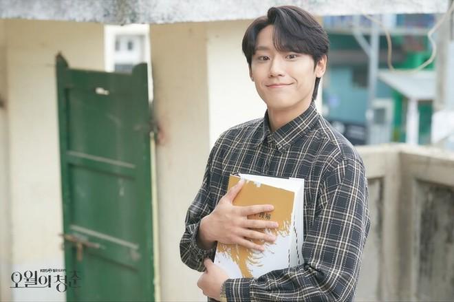 7 nhân vật phim Hàn fan muốn ở cùng nếu bị mắc kẹt trên hoang đảo: Bạn gái Song Joong Ki bất ngờ lọt top, hạng 1 khó ai tranh được với Son Ye Jin - ảnh 3