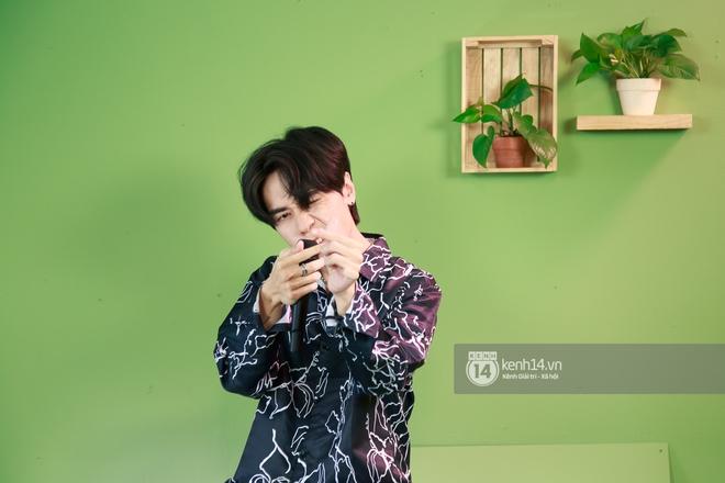 Quang Hùng MasterD thể hiện ca khúc mới ra lò tại HOT14 Live COUNTDOWN, fan Thái lập tức tràn vào nức nở - ảnh 2