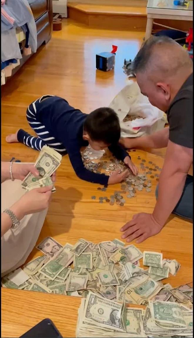Phạm Thanh Thảo và chồng đại gia khui lu tiền USD khủng, toàn tiền lẻ nhưng cũng khiến netizen hoa mắt chóng mặt - ảnh 3