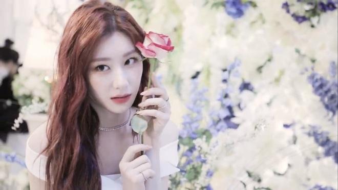 Góc ngược đời: Rõ ràng là khen visual gà cưng ITZY nhưng nhân viên JYP lại bị chỉ trích lươn lẹo? - ảnh 9