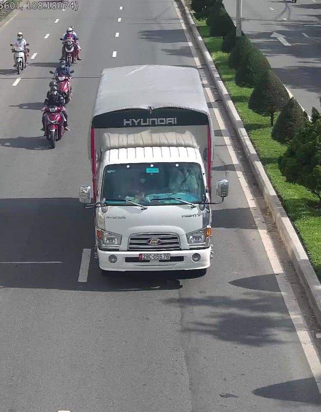 Đà Nẵng khẩn trương truy vết F1 của tài xế xe tải bán vải dương tính SARS-CoV-2 - ảnh 1