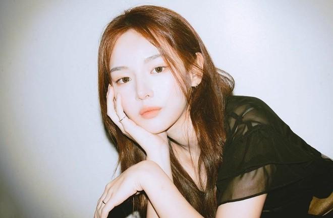 Mẫu Hàn nổi sau 1 đêm vì hội tụ nét đẹp của toàn mỹ nhân hot Kbiz: Lai Han So Hee - Shin Se Kyung, có cả nét đặc biệt của Jennie? - ảnh 9