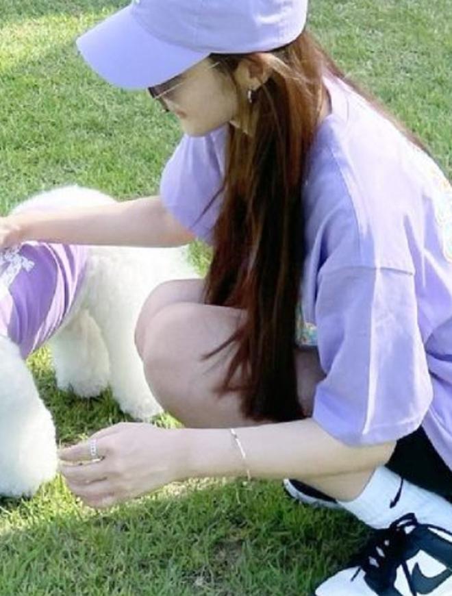 Chỉ với 1 bức ảnh Park Min Young đã lộ đến 4 hint hẹn hò Park Seo Joon, đáng ngờ nhất là nhẫn đôi báo hiệu tin vui? - ảnh 1